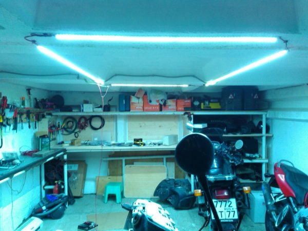 Правильное освещение гаража облегчает обслуживание транспортного средства
