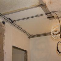 Прокладка проводов в квартире
