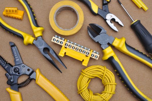 Инструменты для ремонта розеток