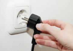 Греется вилка при подключении электроприборов