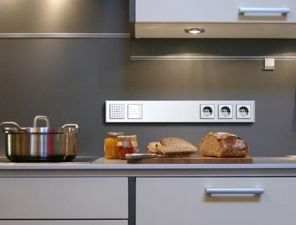 Размещение блока розеток на кухне