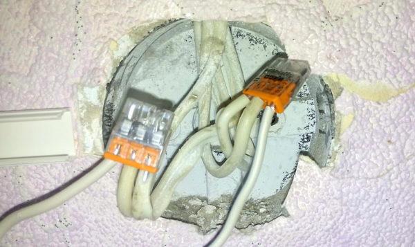 Соединение проводов при переносе розетки