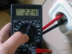 Проверка розетки мультиметром