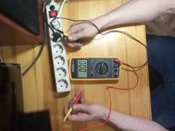 Определение параметров тока в розетке