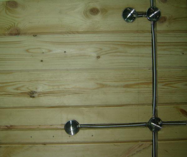 Монтаж металлических подрозетников в деревянной стене
