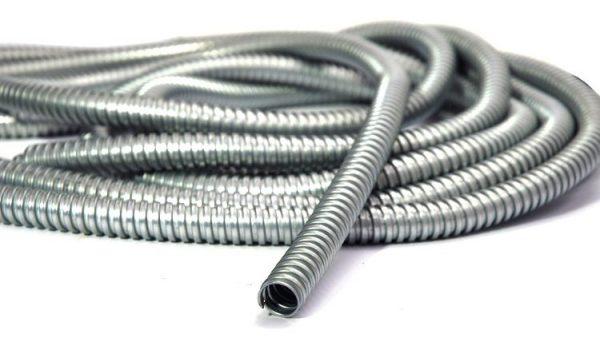 Гофротруба для проведения кабеля на балкон