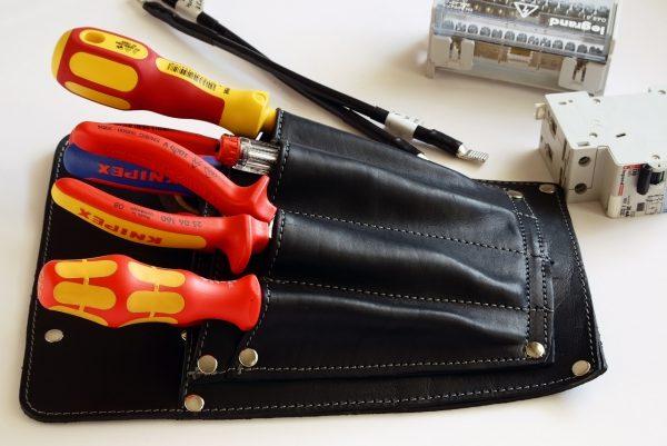 Инструменты для замены выключателя