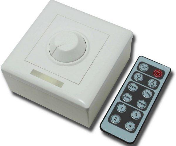 Регулируемый выключатель с пультом дистанционного управления