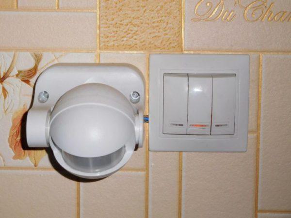Установка выключателей с датчиком движения требует определенных навыков