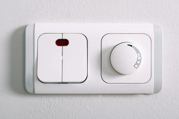 Выключатель и диммер в одном блоке