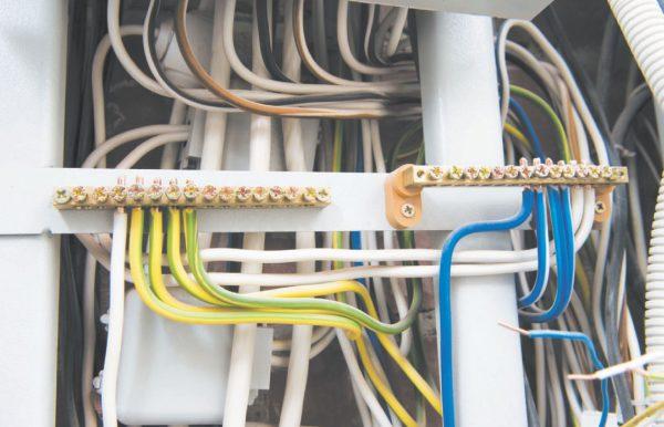 Заземляющие и нулевые проводники