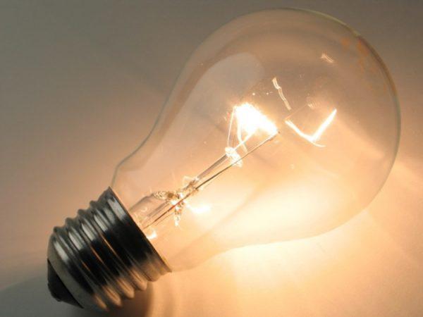 Лампа накаливания с вольфрамовой спиралью