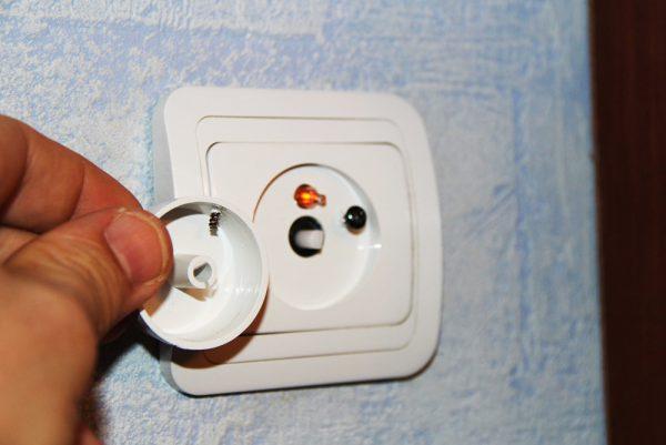 Монтаж выключателя с регулятором света