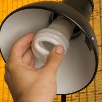 Замена лампочки в светильнике