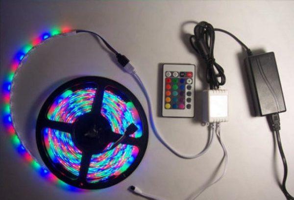 RGB-лента с блоком питания, котроллером и пультом управления
