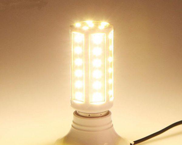 Лампа кукуруза обеспечивает равномерное излучение света