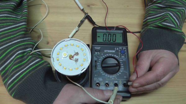 Проверка LED-лампы мультиметром