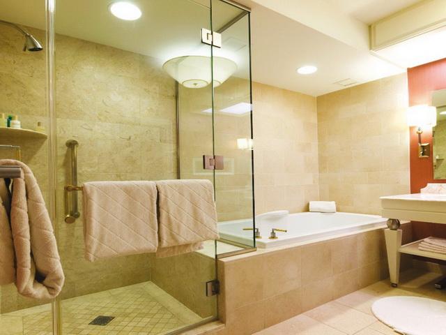 Какую энергосберегающую лампу можно поставить в закрытый плафон в ванной комнате
