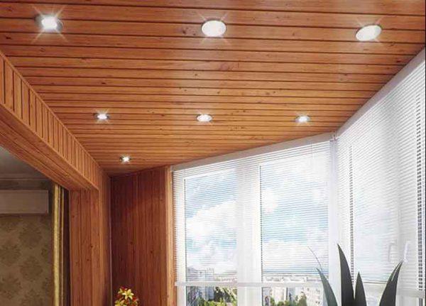 Освещение балкона точечными галогеновыми лампами