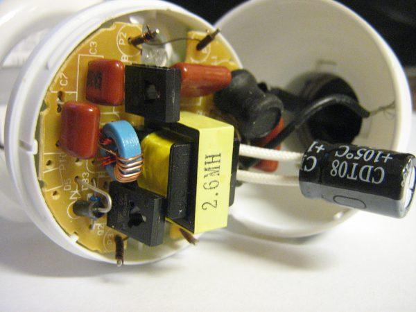 Замена конденсатора в люминесцентной лампе