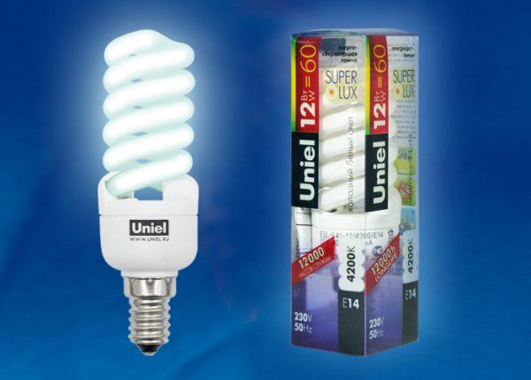 Компактная люминесцентная лампа с цоколем Е14