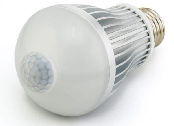 Лампа Е27 со встроенным датчиком движения