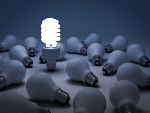 Люминесцентным лампам требуется время для выхода на максимальное свечение