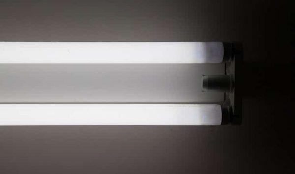 Мерцание ламп дневного света на старте