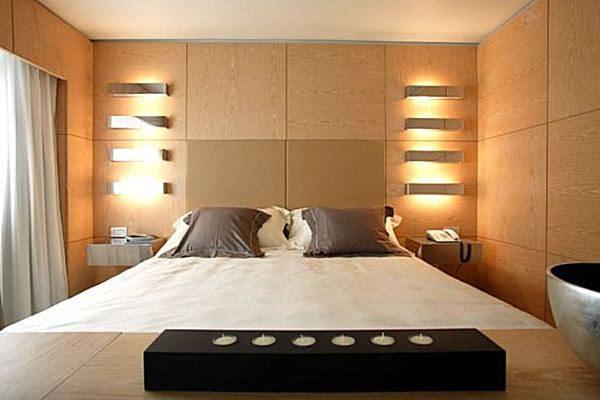 Для освещения спальной комнаты подойдут светодиоды с теплыми оттенками