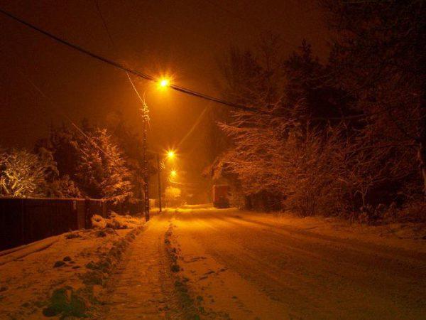 В сильный мороз натриевые лампы довольно долго выходят на полную мощность