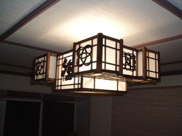 Японские светильники изготавливаются из натуральных материалов