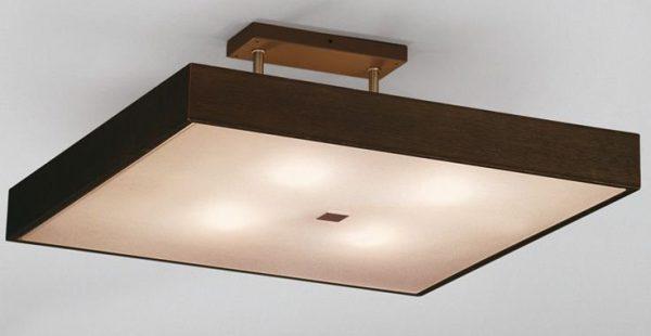 Квадратный светильник с деревянным обрамлением