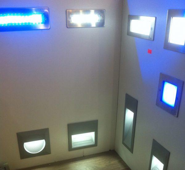Разновидности светильников для монтажа в стену