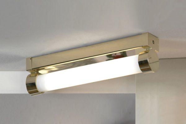 Влагозащищенный люминесцентный светильник