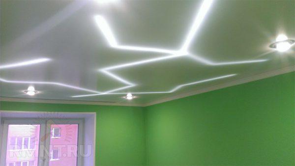 Подсветка потолка с помощью LED-ленты