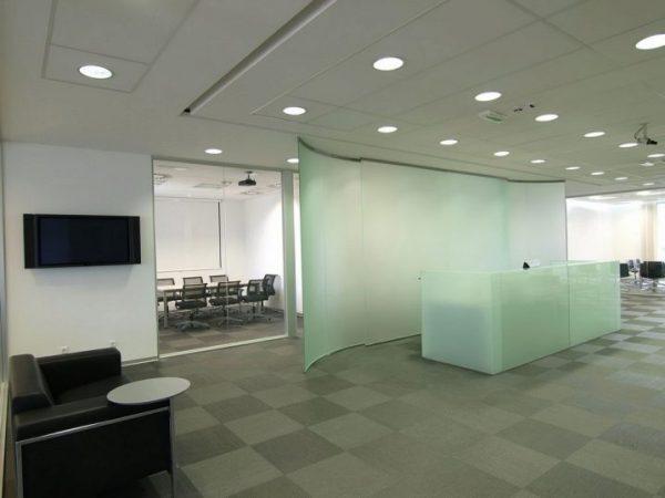 Использование встраиваемых светильников в офисе