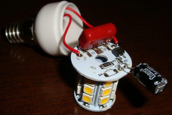 Замена электролитического конденсатора в LED-лампе