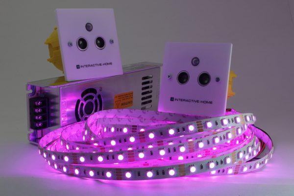 Применение LED-ленты с датчиками движения позволяет экономить электроэнергию