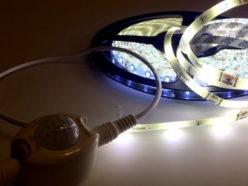 Светодиодная лента Gauss с датчиком движения и освещенности