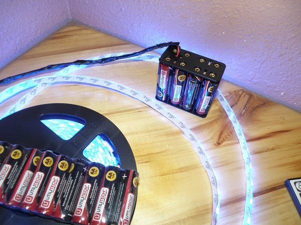 Использование бокса с батарейками для питания светодиодной ленты