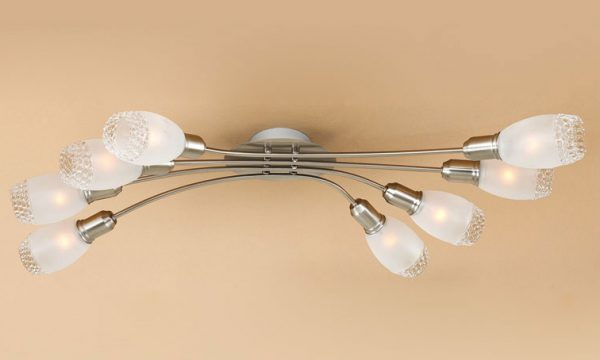 Для низких помещений рекомендуется использовать модели люстр с несколькими лампочками