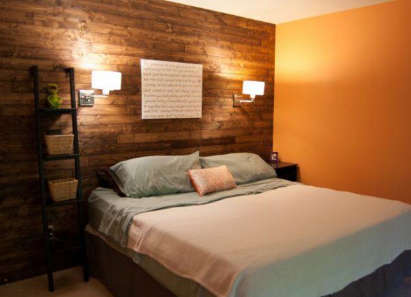 Установка настенных светильников над кроватью