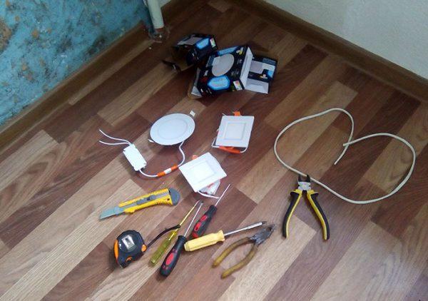 Инструменты и материалы для монтажа точечных светильников