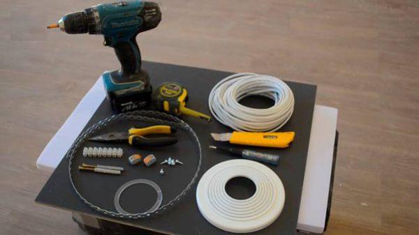 Инструменты и принадлежности для монтажа люстры