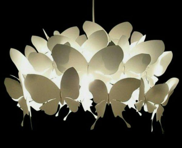 Светодиодная люстра из бумажных бабочек