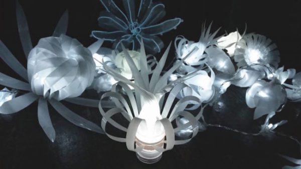 Люстры и светильники из пластиковых бутылок