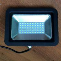 LED-прожектор моргает