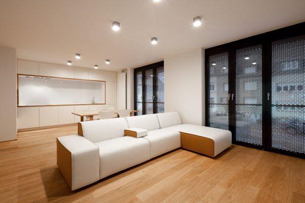 Освещение комнаты с помощью точечных источников света