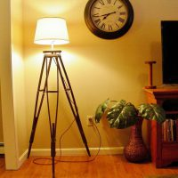 Настольная лампа из подручных материалов