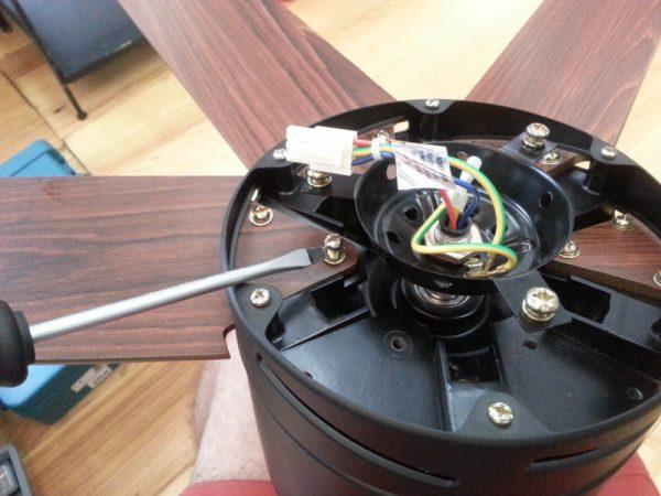 Сборка потлочного светильника с вентилятором